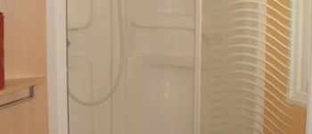 Salle de bain d'un mobil home