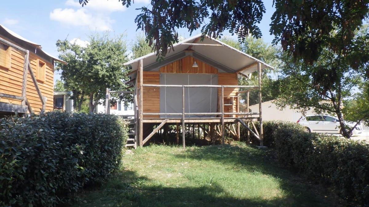 Cabane Lodge sur Pilotis insolite
