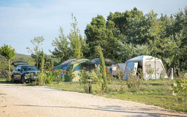 emplacement camping pas cher luberon